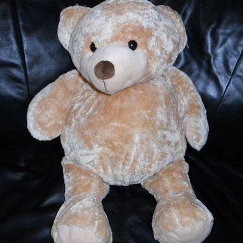 kleine beer licht bruin